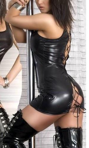 Кожаное платье на шнуровке