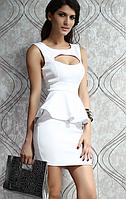 Платье с баской белое