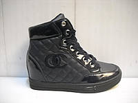 Сникерсы ботинки на танкетке синие белые черные.