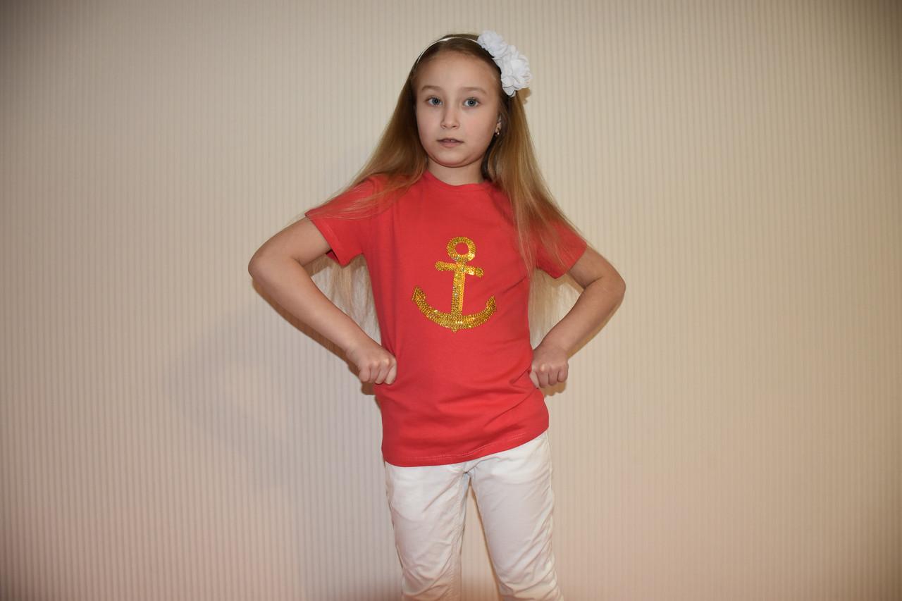 Коралловая футболка с якорем