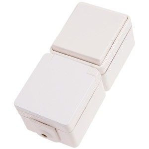 Комбинация розетки с заземлением и универсального выключателя IP44.Hager polo.hermetica 16002702