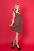 Кокетливое маленькое платье с V-образным вырезом