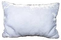 Подушка декоративная белая меховая