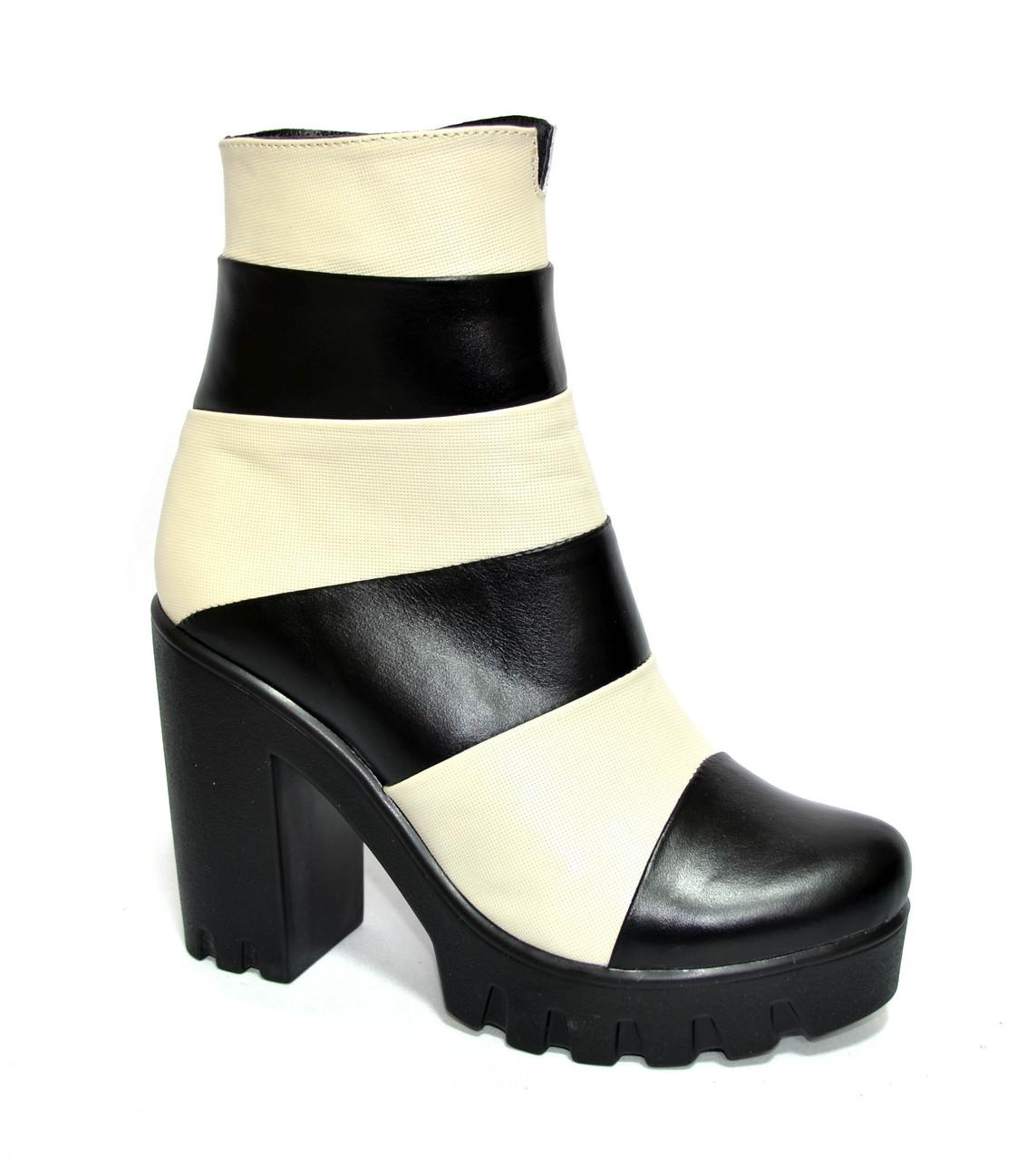 Женские зимние ботинки на тракторной подошве, натуральная кожа, бежево-черные