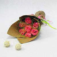 Букет из конфет Розы 7 коралловые Крафт
