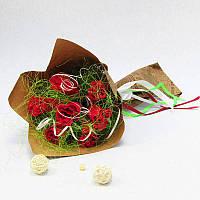 Букет из конфет Розы 7 бордовые Крафт