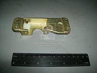 Фиксатор замка двери левый нового образца (производитель ДААЗ) 53200-610503510