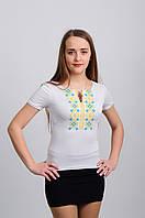 Женская футболка с вышитой украинской символикой
