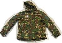Камуфляжная куртка с капюшоном