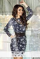 Женское джинсовое платье с черным поясом