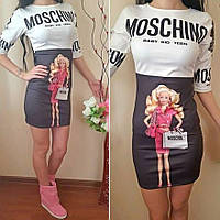 Платье женское короткое из дайвинга с рисунком BARBIE и MOSCHINO P1239
