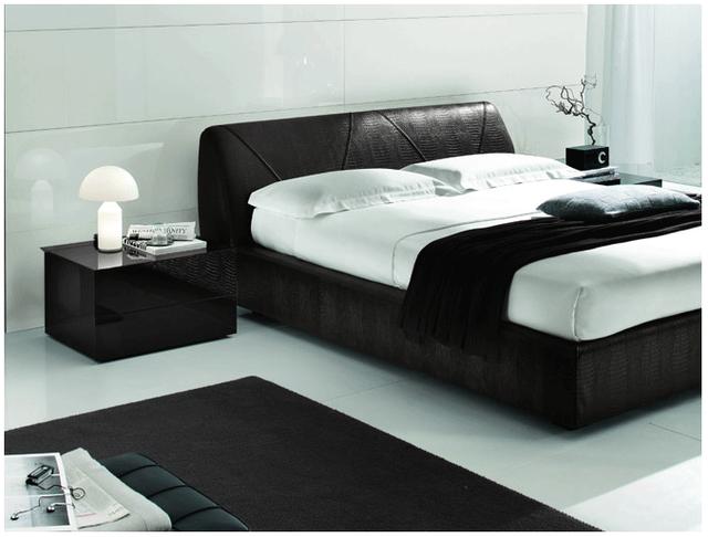 Кровати в ткани и коже