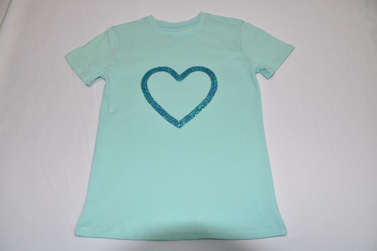 Красивая футболка с сердечком