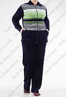 Велюровый спортивный костюм батального размера зеленый