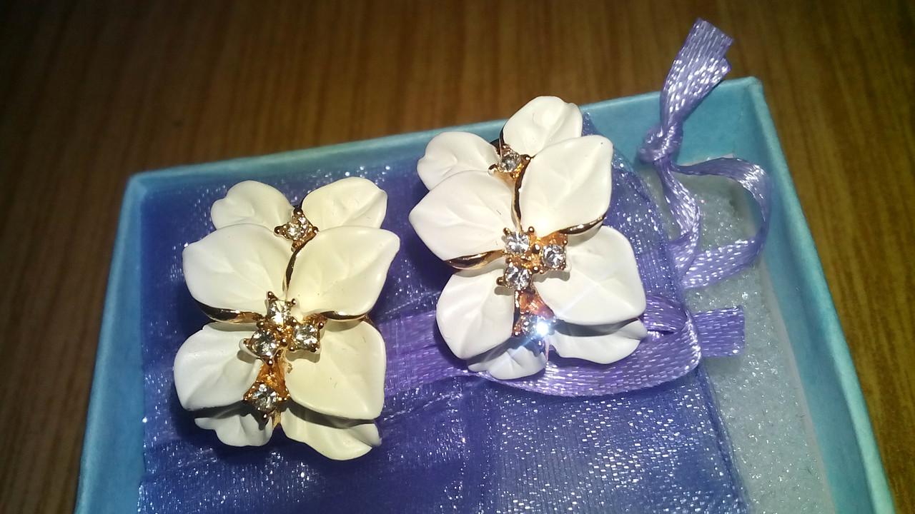 Серьги Белые цветы