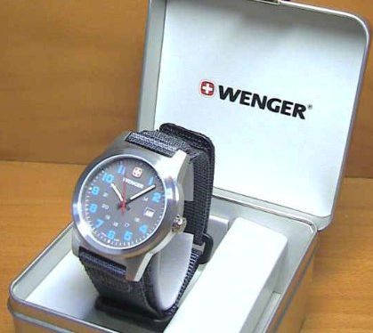 Уникальный набор часы и нож Wenger Swiss Watch + Swiss Army Folding Knife 01 441 104 серебристый