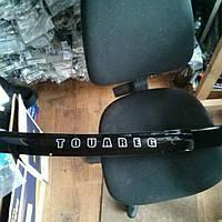Дефлектор капота (мухобойка) на Фольцваген Тоурег с 03-10 (на крепежах) VIP Tuning.
