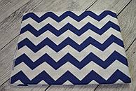 Лоскут ткани №117а  с синими зигзагами