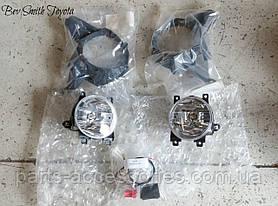 Туманки противотуманные фары в бампер Toyota RAV4 2013-15 новые оригинал