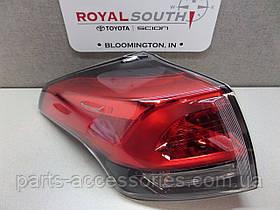 Задний левый фонарь в левое крыло Toyota RAV4 рестайлинг 2016+ новый оригинальный