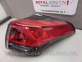 Задний правый фонарь в крыло Toyota RAV4 рестайлинг 2016+ новый оригинальный