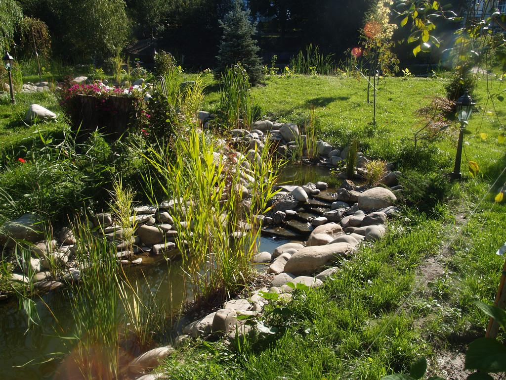 Строительство ручья длинной около 25 метров