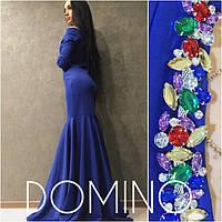 Элегантное женское вечерне платье с открытыми плечами, украшено камнями
