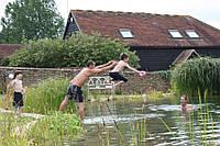 Искусственный пруд для плавания на дачу, поместье