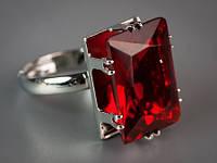 Перстень с камнем женский красный цвет