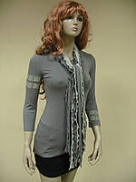 Облегающий женский лонгслив с вышивкой-браслетами и шарфом из лент