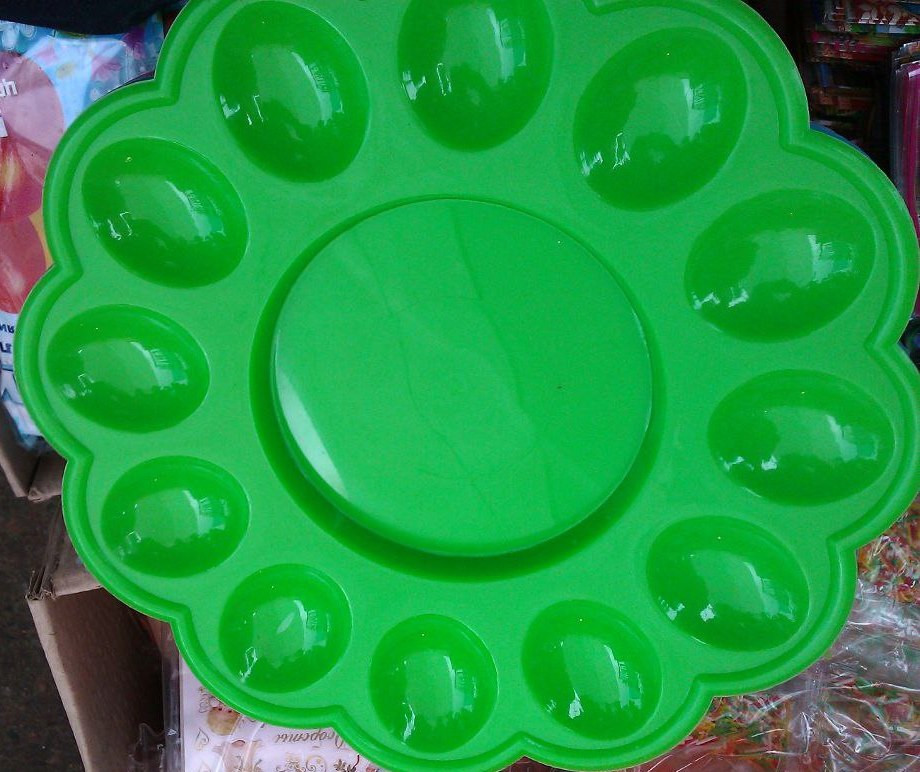 Тарелка для пасхальных 12 яиц пластик