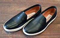 Черные мужские кожаные слипоны Madoks