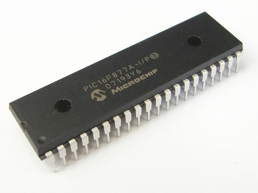 PIC16F877A-I / P DIP40