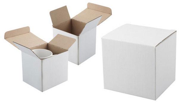 Упаковка белая из картона для чашек