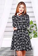 Женское короткое платье рубашечного типа в клетку черно-белое