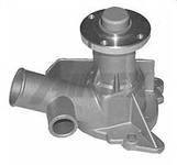 Насос системы охлажения двигателя автомобиля