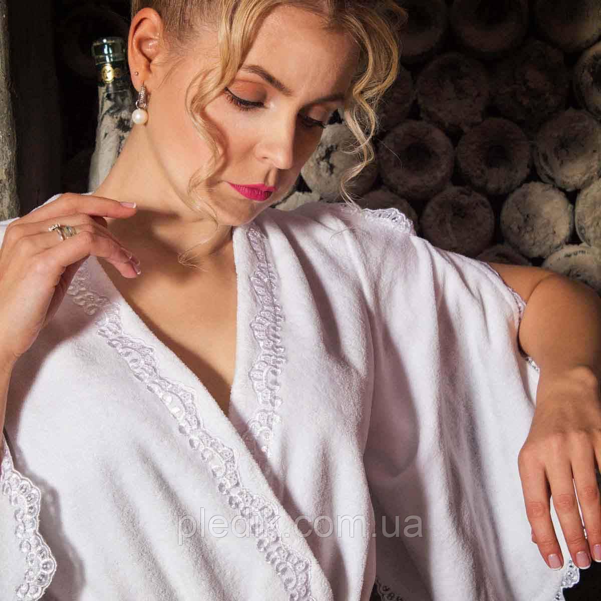 Махровый халат с кружевами ROSETTA белый M. Все размеры.