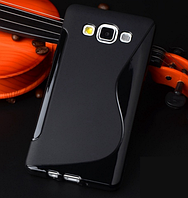 Силиконовый черный чехол для Samsung Galaxy A3