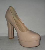 Туфли женские стильные на высоком толстом каблуке бежевые