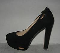 Туфли стильные  на высоком каблуке замшевые чёрные