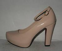 Туфли на каблуке с застёжкой бежевые