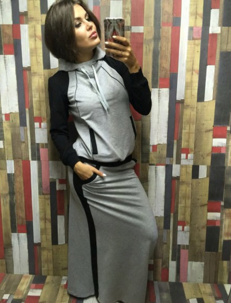 d0bb5a3a257 Женский юбочный спортивный костюм с карманами -