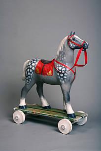 Лошадка-качалка на колесах