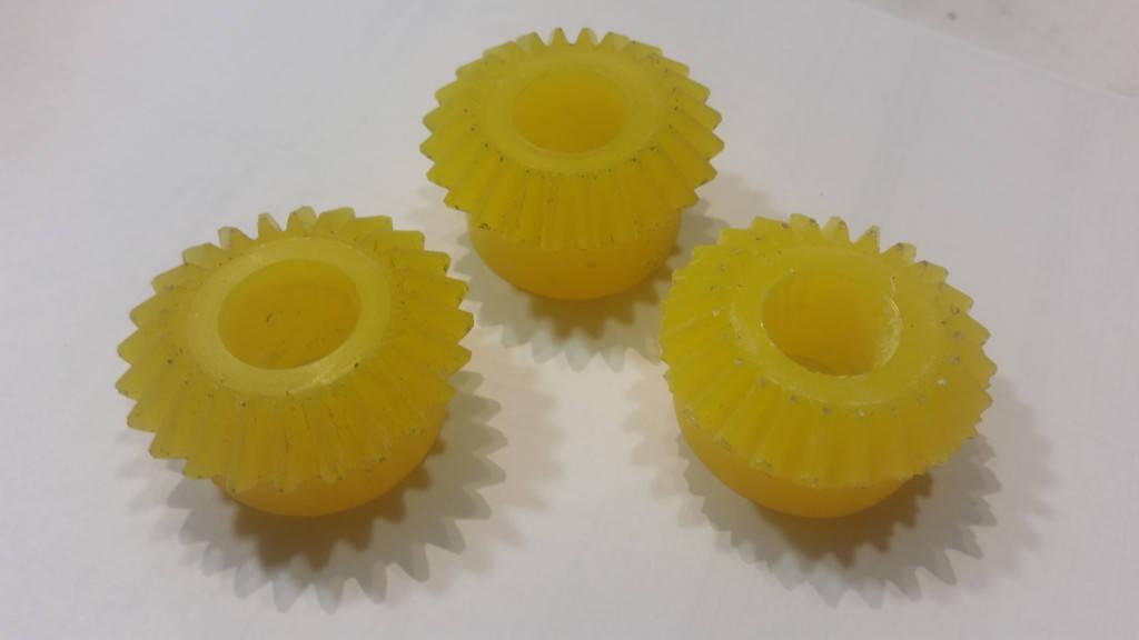 Изготовление шестерни из конструкционного пластика