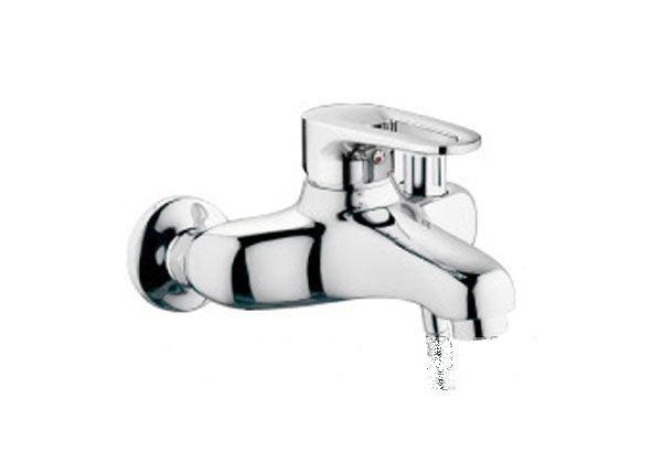 Смеситель для ванны Haiba Hansberg с коротким литым гусаком