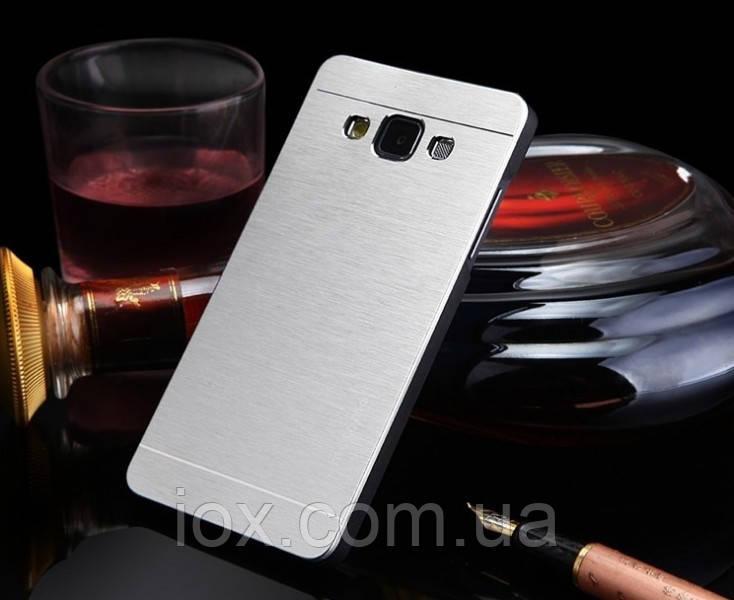 Металлический серебренный чехол Motomo для Samsung Galaxy A3