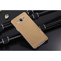 Металлический золотой чехол Motomo для Samsung Galaxy A7