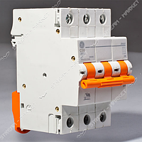 Автомат General electric DG 63 трёхпол. 3/32А.