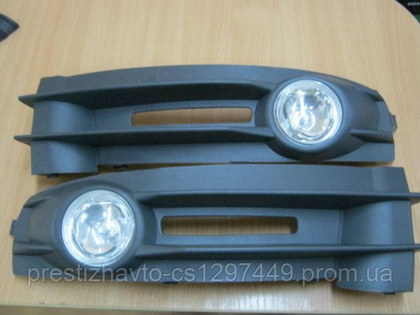 Фары противотуманные на Volkswagen Caddy (2004-...)