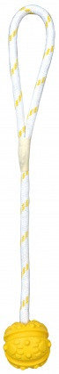 Игрушка для собак Trixie Мяч на верёвке с ручкой, резина Ø 7 см / 35 см (цвета в ассортименте)